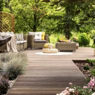 За перфектния двор, лято и тераса